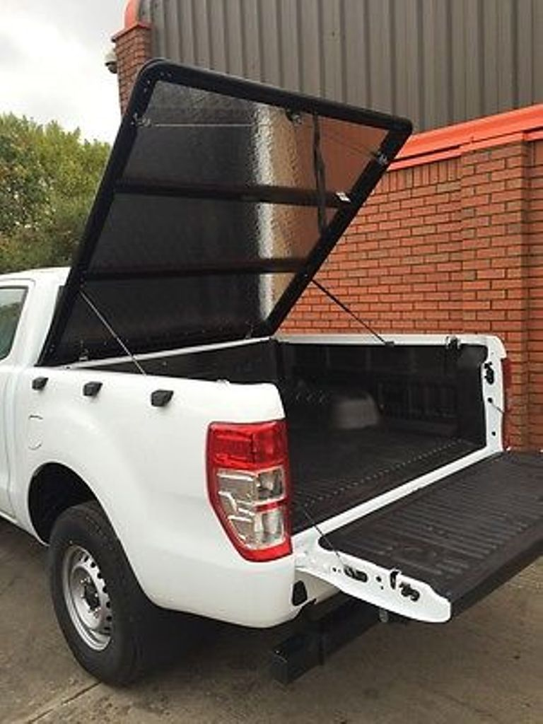 Крышка ALUMINIUM TONNEAU COVER — MILL FINISH Toyota Hilux 2015-2018