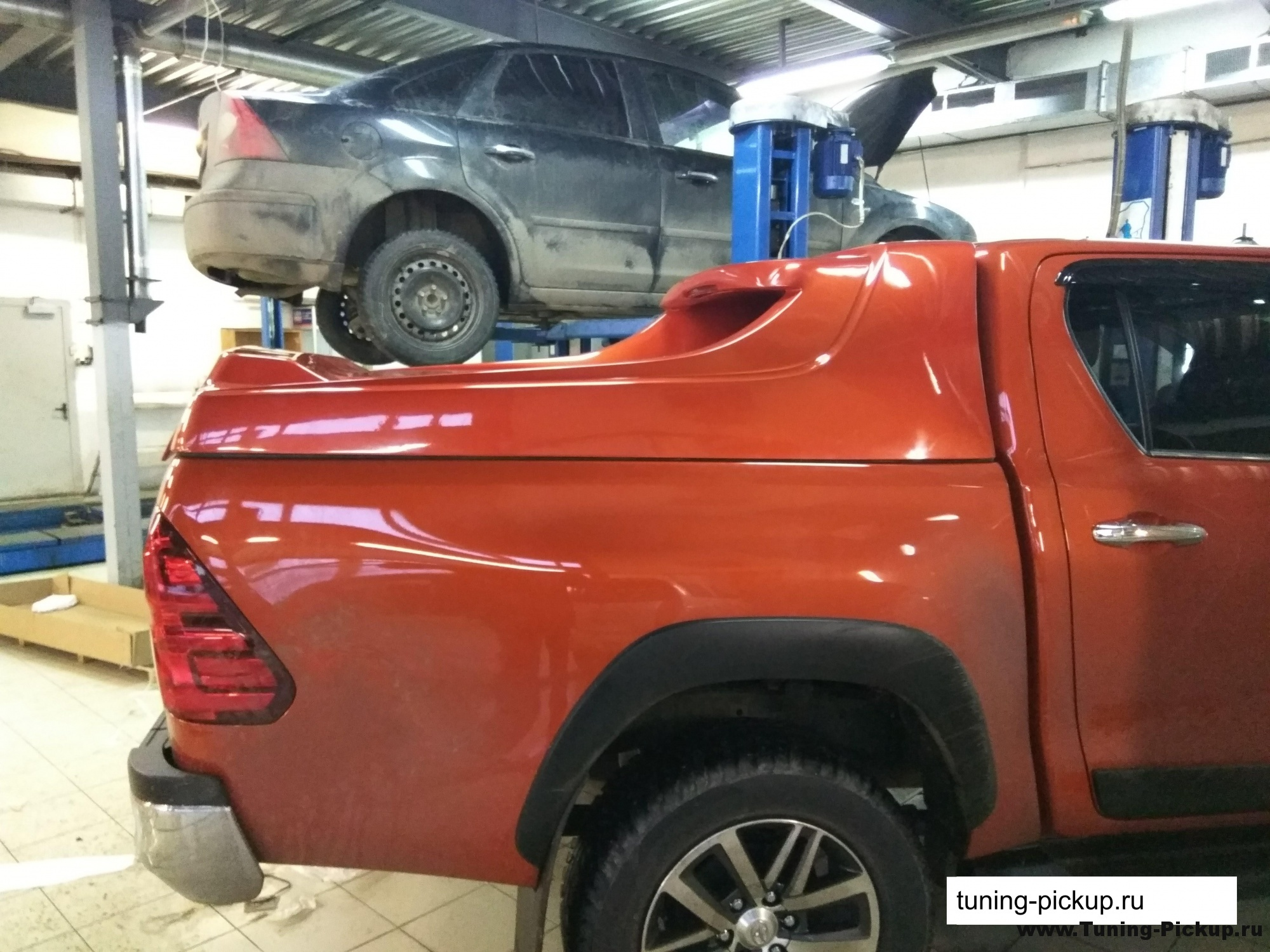 Grandbox Vip для Toyota Hilux 2015